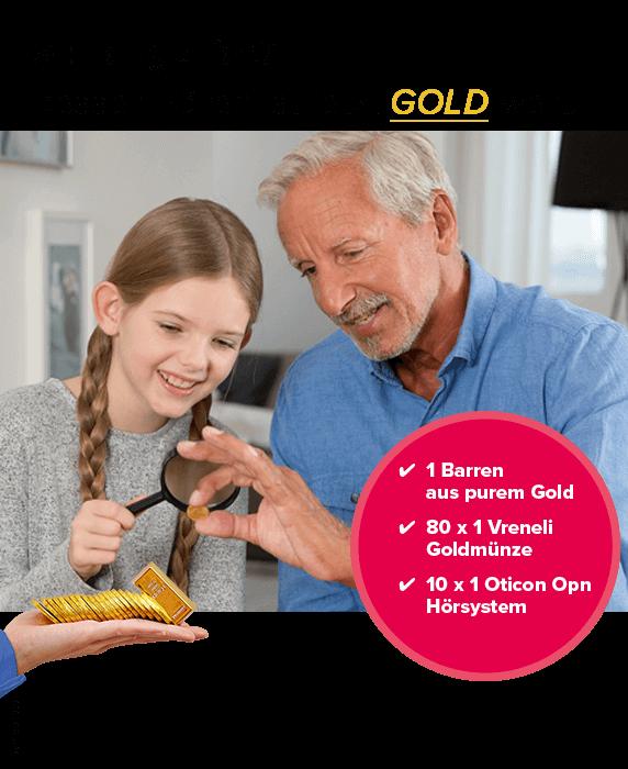 Grossvater schaut mit Enkelin seine Goldvreneli an