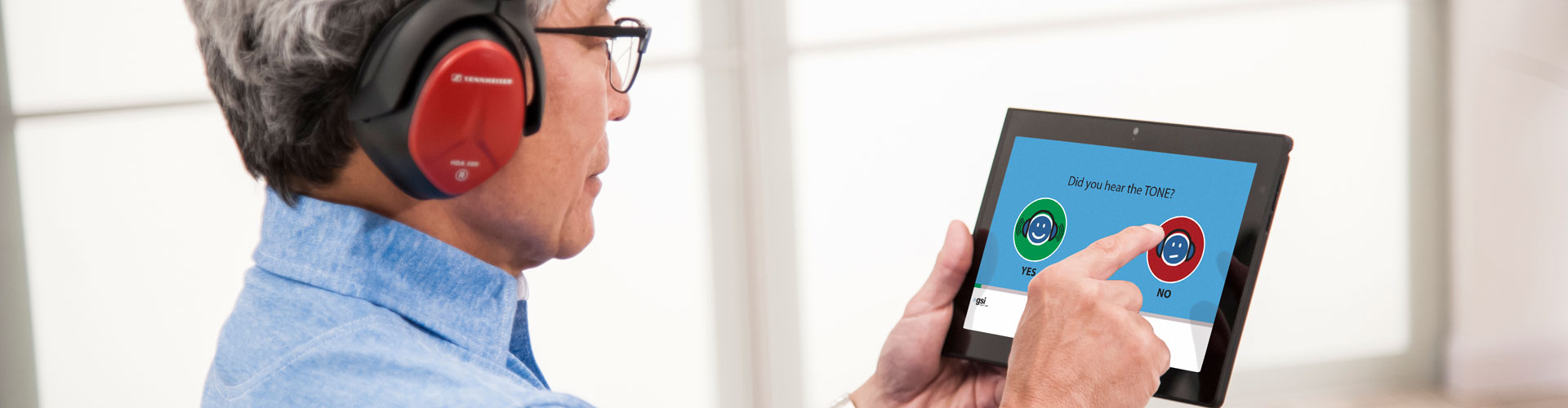 AMTAS Patient Using Audiometry Software
