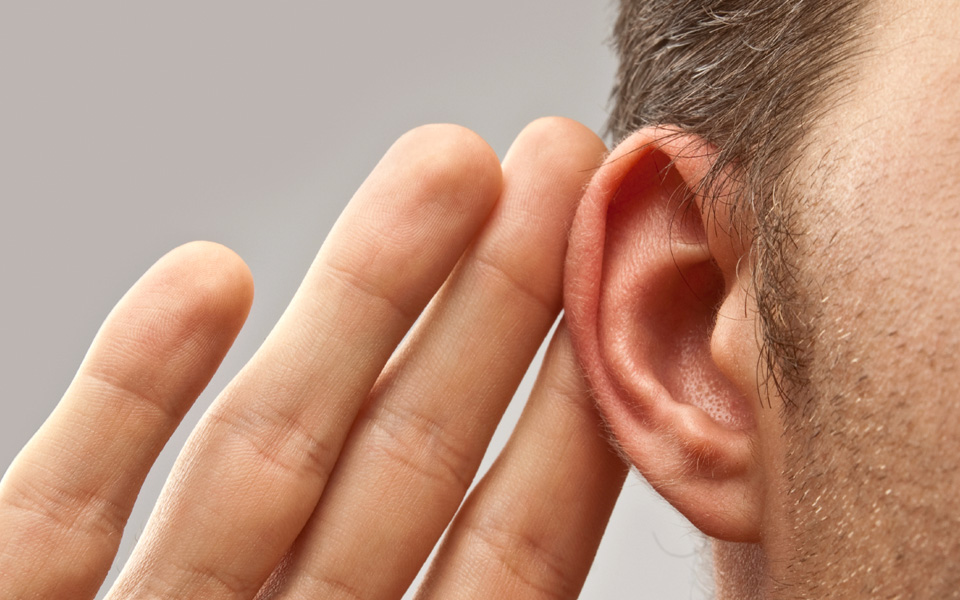 960x600-Hearing-loss-BAHS-candidacy-Deaf-in-one-ear