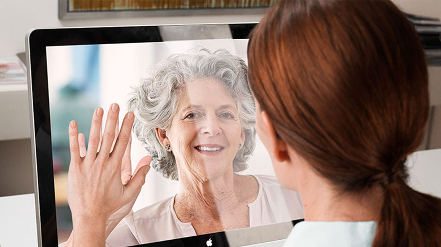 two people using connectclip to chat over computer